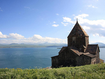 Armenian environmentalists ask president Sargsyan to ban construction of fish farms on lake Sevan