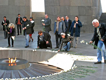 Armenian genocide tragedy mustn't fade out from memory : Chief Editors Club