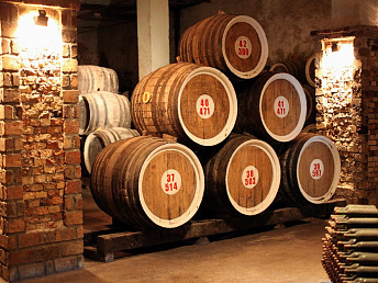 Armenia's cognac production fell by 4.6% to 4,735,900 liters in January-April