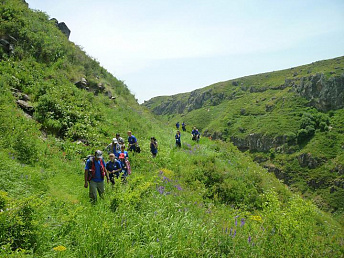 Nagorno-Karabakh government agency discusses development of ecotourism