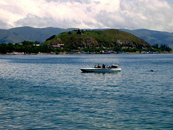Armenian government considering possibility to increase amount of water from lake Sevan
